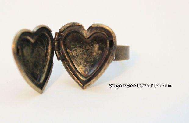 Heart Locket Ring 3