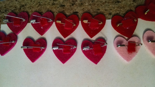 Valentines day felt pins-125848632